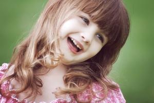 Smiling_girl_2